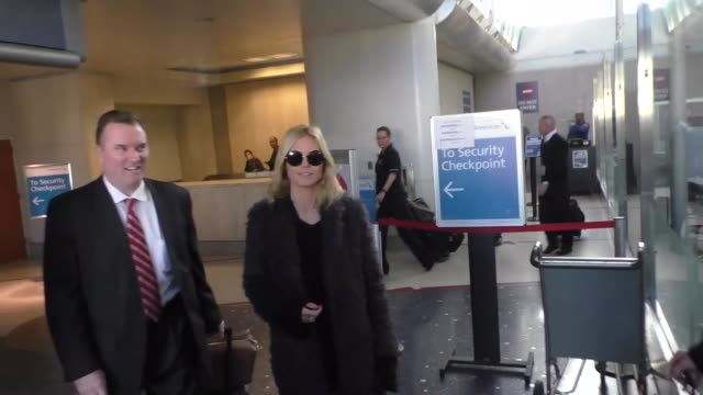 heidi klum arriving at lax airport in los angeles celebrity sightings on december 15 2015 in los angeles california - heidi klum stock videos and b-roll footage