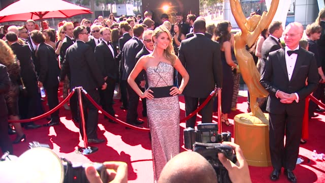 heidi klum at 2013 creative arts emmy awards on 9/15/2013 in los angeles, ca. - emmy awards stock-videos und b-roll-filmmaterial