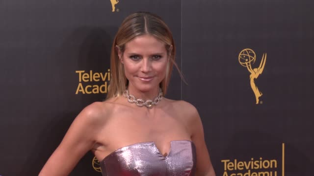 heidi klum at 2016 creative arts emmy awards - day 2 in los angeles, ca 9/11/16 - roter teppich stock-videos und b-roll-filmmaterial