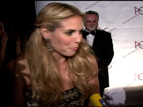 heidi klum at the 11th annual ace awards at cipriani in new york, new york on november 5, 2007. - マンハッタン チプリアーニ点の映像素材/bロール