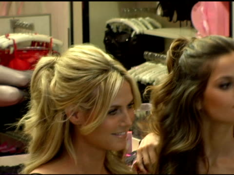 heidi klum izabel goulart and karolina kurkova at the victorias secret valentines day shopping tips and favorite gifts at victoria's secret herald... - karolina kurkova stock videos and b-roll footage