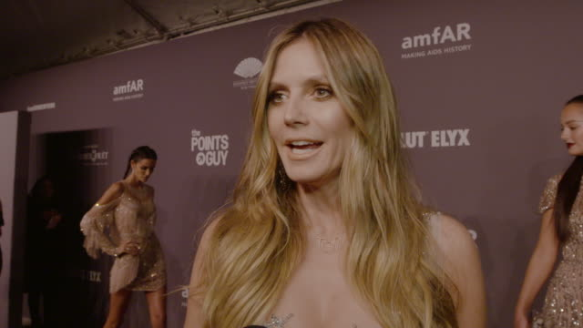 vidéos et rushes de heidi klum on why is it so important to support amfar's work at 21st annual amfar gala new york at cipriani, wall street on february 06, 2019 in new... - gala