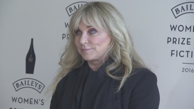 vídeos de stock e filmes b-roll de helen lederer at winner of the 2016 baileys womens prize for fiction photocall on june 8 2016 in london england - helen lederer
