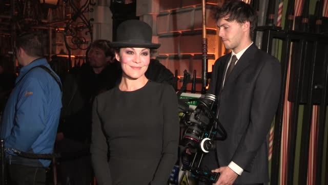helen mccrory at harper's bazaar lfw party at annabels on september 17, 2013 in london, england - ヘレン マックローリー点の映像素材/bロール