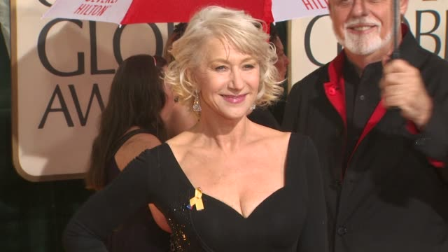 helen mirren at the 67th annual golden globe awards arrivals part 5 at beverly hills ca - ゴールデングローブ賞点の映像素材/bロール
