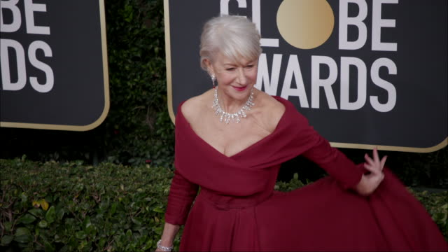 helen mirren at the 77th annual golden globe awards at the beverly hilton hotel on january 05 2020 in beverly hills california - the beverly hilton hotel stock-videos und b-roll-filmmaterial