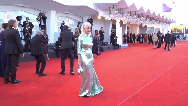 """helen mirren attends the red carpet of the movie """"madres paralelas"""" during the 78th venice international film festival on september 1, 2021 in... - helen mirren stock videos & royalty-free footage"""