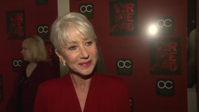 vidéos et rushes de helen mirren on doing red carpets, on enjoying promoting this film because it's so original. on why this film is unique, different from other action... - new age concept