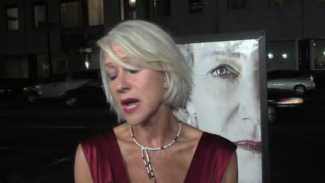 vidéos et rushes de helen mirren on the roles she has played in the past, on playing royalty, the oscar buzz surrounding her performance, and the film itself at the the... - academy of motion picture arts and sciences