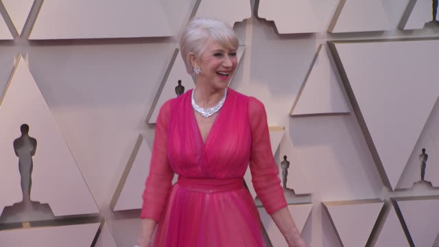 helen mirren walking the red carpet at the 91st annual academy awards at the dolby theater in los angeles california - music or celebrities or fashion or film industry or film premiere or youth culture or novelty item or vacations bildbanksvideor och videomaterial från bakom kulisserna