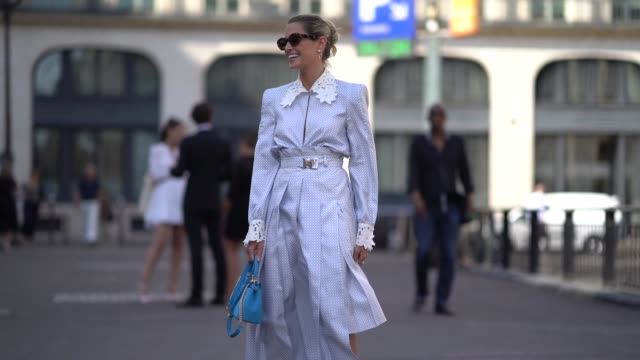 877deae02ec0 Helena Bordon wears a white and blue dress with a shirt collar a blue bag  silver
