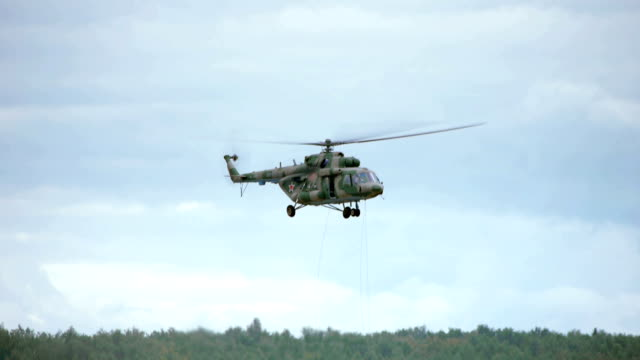 helicopter hot-unloading - military helicopter stock videos & royalty-free footage