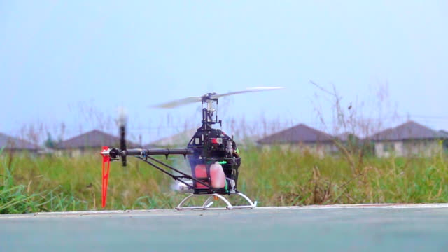 Helicopter model, Slow motion
