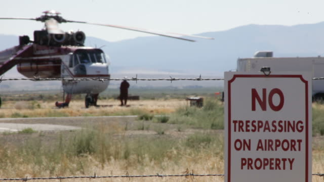 helicopter shuttung down - no trespassing stock videos & royalty-free footage