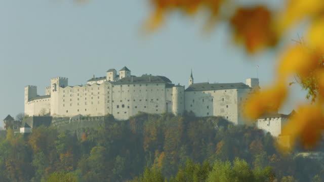 Hellbrunner Allee im Herbst