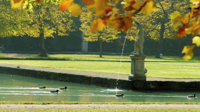 Hellbrunner Park im Herbst