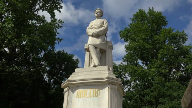 helmut graf von moltke monument, englischer garten, berlin, germany - ミュンヘン エングリッシャーガルテン点の映像素材/bロール