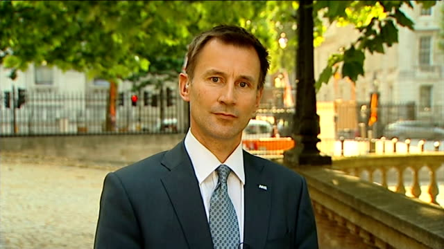 call handlers training / public confidence in service; tx 9.7.2013 health secretary jeremy hunt mp appearing on itv evening news to respond to... - itv evening news stock-videos und b-roll-filmmaterial