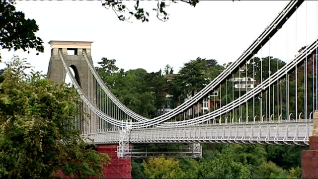 vídeos y material grabado en eventos de stock de henbury secondary school / bristol gvs; **good shots of bristol** clifton: general views of clifton suspension bridge/ general view of row of large... - vista general