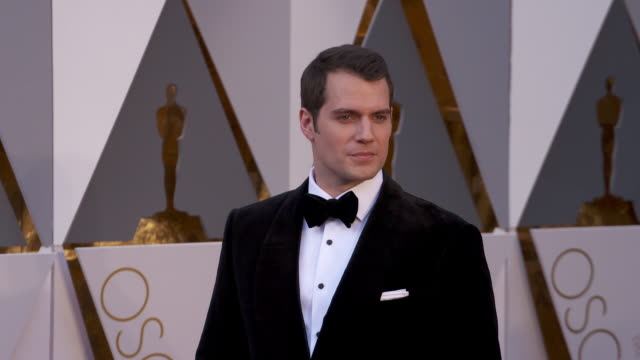 henry cavill at the 88th annual academy awards arrivals at hollywood highland center on february 28 2016 in hollywood california 4k - academy awards stock videos & royalty-free footage