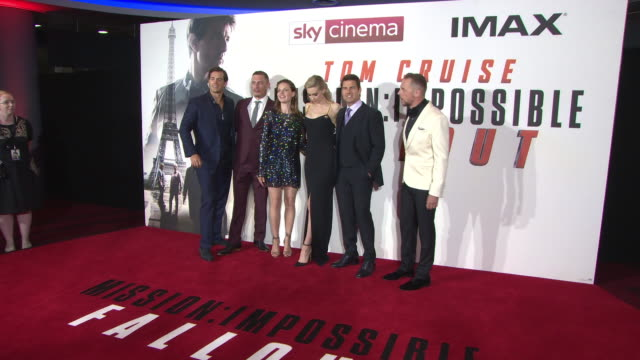vídeos y material grabado en eventos de stock de henry cavill frederick schmidt rebecca ferguson vanessa kirby tom cruise simon pegg at 'mission impossible fallout' uk premiere at bfi imax on july... - tom cruise