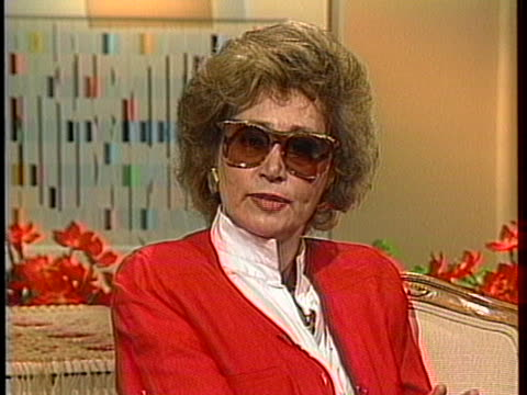 stockvideo's en b-roll-footage met henry fonda's fourth wife afdera talks about what caused their divorce - charmant