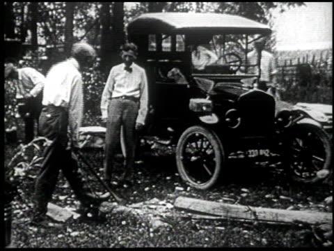 henry ford's mirror of america - 32 of 34 - andere clips dieser aufnahmen anzeigen 2179 stock-videos und b-roll-filmmaterial