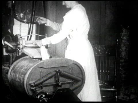 henry ford's mirror of america - 33 of 34 - andere clips dieser aufnahmen anzeigen 2179 stock-videos und b-roll-filmmaterial
