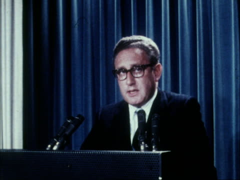 Henry Kissinger back in USA after talks in Moscow USA Washington INT MS Henry Kissinger speaking at podium MS Side speaking CMS Side speaking and...