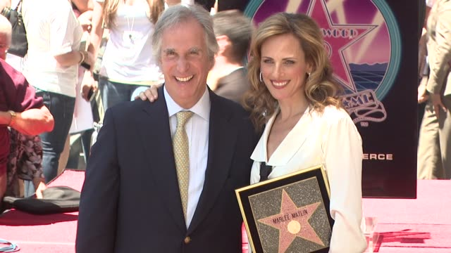 Henry Winkler and Marlee Matlin at the Marlee Matlin Honored With A Star On The Hollywood Walk Of Fame at Hollywood CA