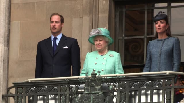 her majesty the queen and the duke and duchess of cambridge visit nottingham as part of the diamond jubilee celebrations. royal diamond jubilee visit... - elizabeth ii stock videos & royalty-free footage