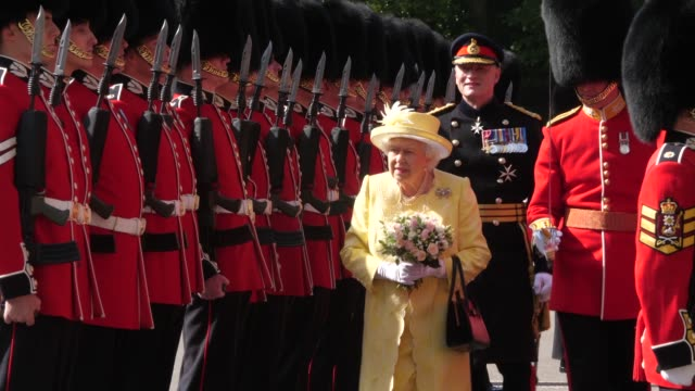 her majesty the queen inspecting ranks at the ceremony of the keys at the palace of holyroodhouse on june 28 2019 in edinburgh scotland - elizabeth ii stock videos & royalty-free footage