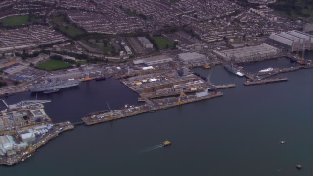 stockvideo's en b-roll-footage met aerial, her majesty's naval base, devonport, plymouth, england - oorlogsschip