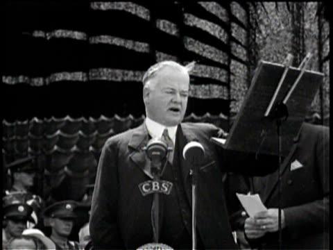 vídeos de stock e filmes b-roll de herbert hoover delivers a speech about inalienable rights / various clips from hoover speech / - presidente dos eua