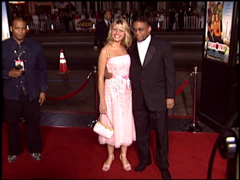 herbie hancock at the 'eurotrip' premiere at grauman's chinese theatre in hollywood, california on february 17, 2004. - herbie hancock stock videos & royalty-free footage
