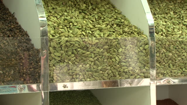 herbs spices cu tiltdown from cardamom pods to ginger - gourmet stock videos & royalty-free footage