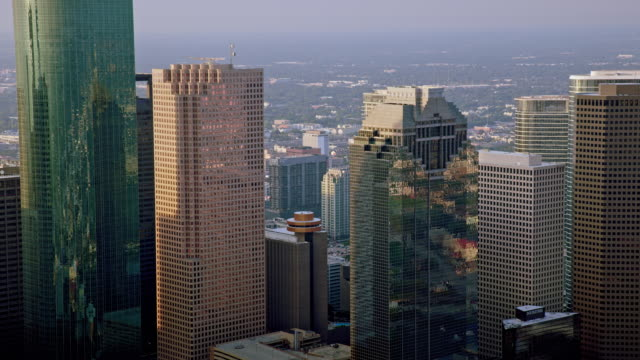 aerial heritage plaza in downtown houston, tx - skyscraper stock videos & royalty-free footage