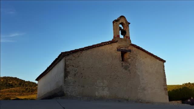 ermita en castilla de la mancha España timelapse atardecer