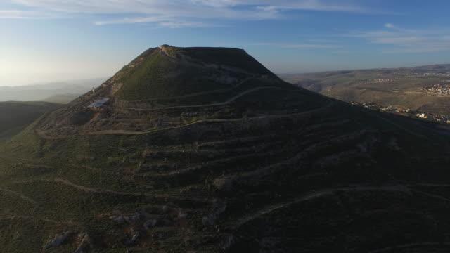 herodium (herodion), the palace of king herod, judean desert, israel - archäologie stock-videos und b-roll-filmmaterial