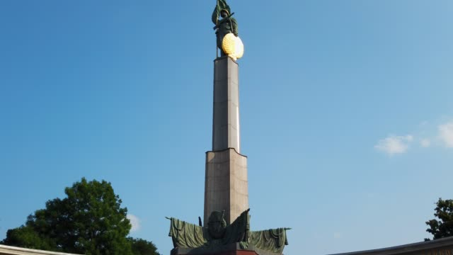 heroes' monument of the red army - former soviet union stock videos & royalty-free footage