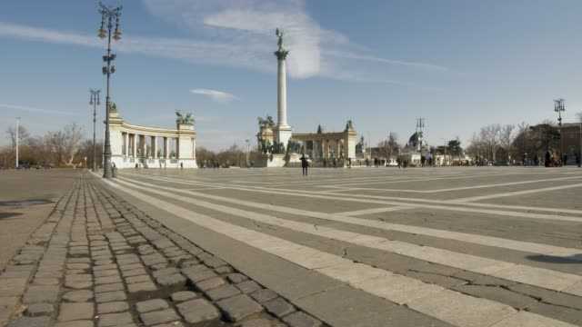 heroes square during winter, budapest, hungary, europe - eastern european culture stock videos & royalty-free footage