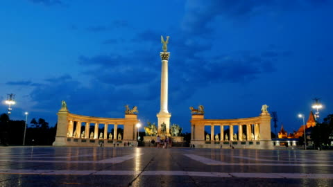 hero's square in budapest at night - budapest stock videos & royalty-free footage
