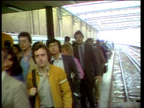 london: waterloo station people on platform lms as along pull out - herpes video stock e b–roll