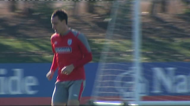 hertfordshire: colney: john terry along on pitch during training session - achilles tendon stock videos & royalty-free footage