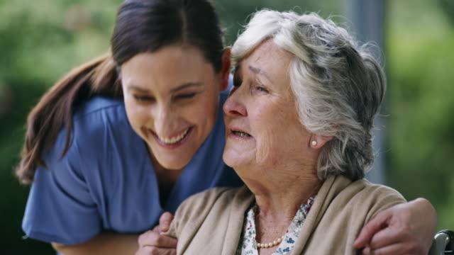 vidéos et rushes de hé là mon patient préféré? - services sociaux