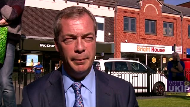 Heywood and Middleton byelection ENGLAND Greater Manchester Heywood and Middleton PHOTOGRAPHY *** Nigel Farage MEP along to burger van and chatting...