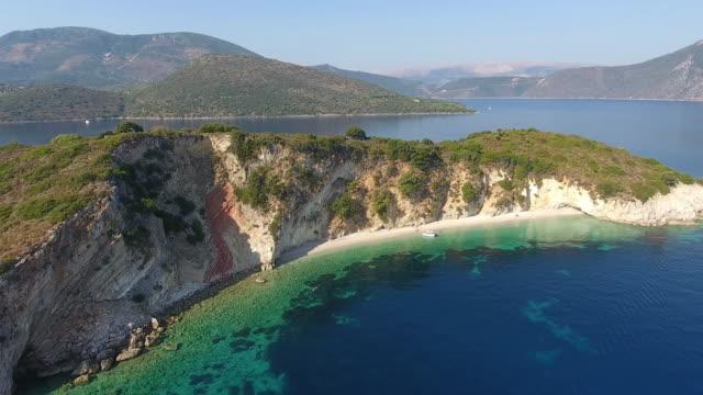 vídeos de stock e filmes b-roll de hidden beach - grécia