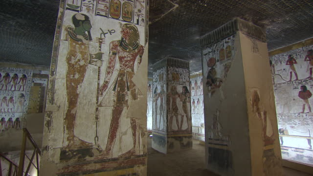 MS TD Hieroglyphics paintings on columns in the Tomb of Seti 1 / Egypt