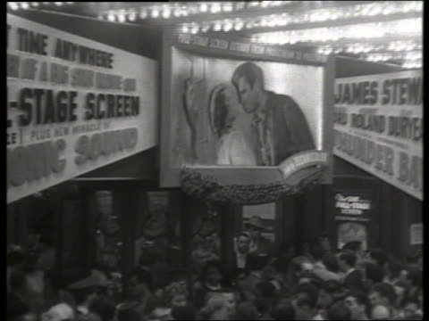 b/w high angle 1954 movie premiere of thunder bay / no sound - 1954 bildbanksvideor och videomaterial från bakom kulisserna