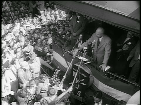 b/w 1952 high angle dwight d eisenhower makes speech to crowd from caboose of train / whistlestop campaign - anno 1952 video stock e b–roll